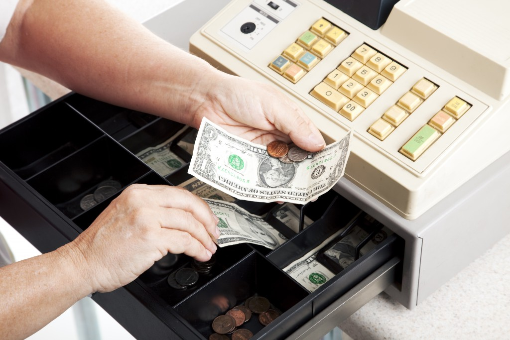 c92660435 Cash Handling Training for Convenience Store Managers